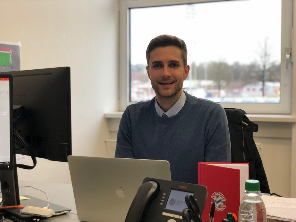 Simon Vikoler internship at F.C. Bayern München